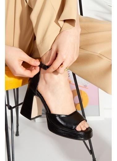 Derithy Crıstına Topuklu Ayakkabı-Platın-Byc1002 Siyah
